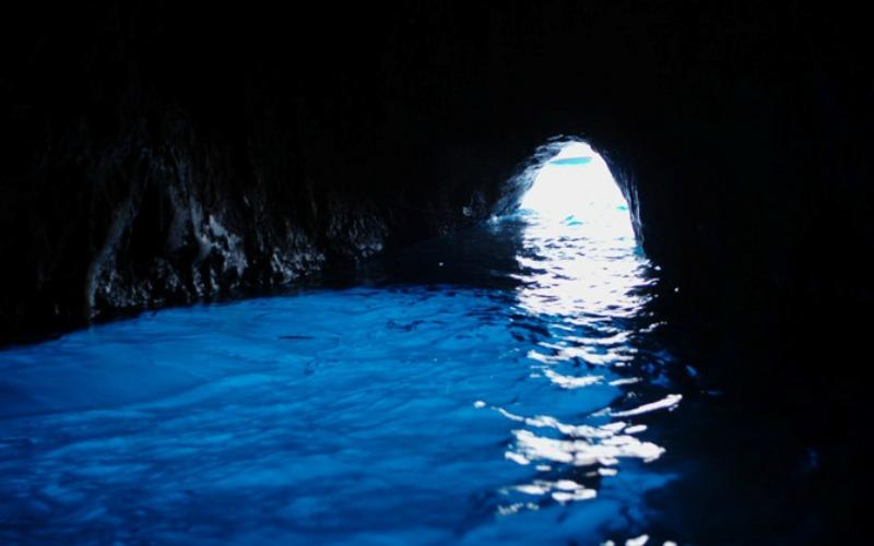 La spiaggia di Gradola ad Anacapri: un tuffo nel blu