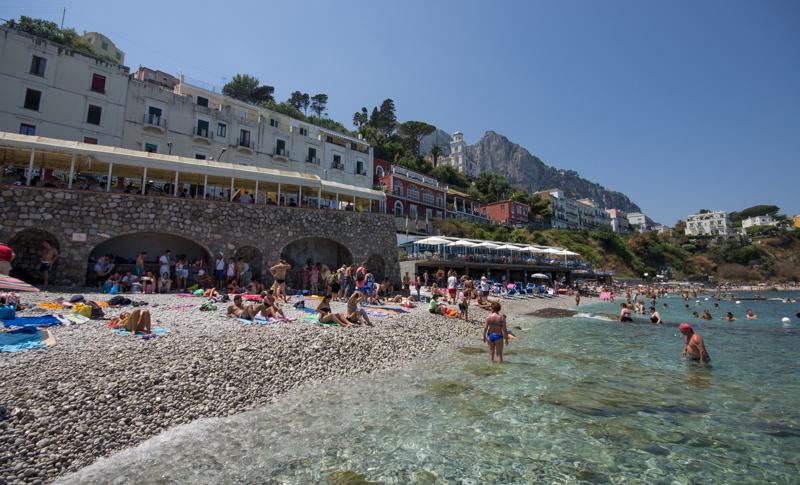 Un tuffo nelle spiagge di Capri