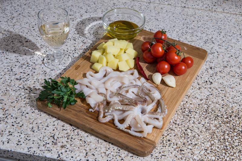 Totani e patate ingredienti