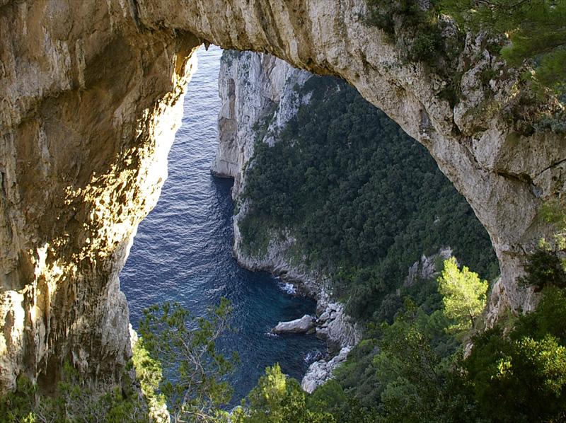 L'Arco Naturale a Capri: opera d'arte della natura