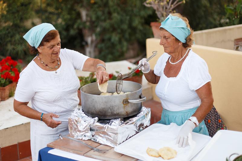 Preparazione izzette fritte delle campagnole di Anacapri