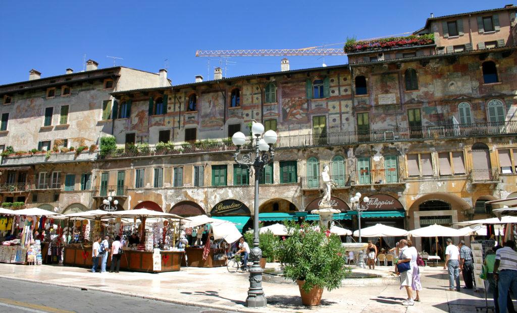 Verona in un giorno Piazza delle Erbe