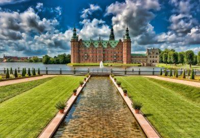 Castello di Frederiksborg : Viaggio tra Storia e Arte