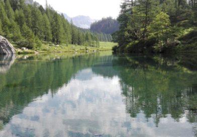 Un posto per rilassarti a contatto con la natura? Il Lago delle Streghe fa per te