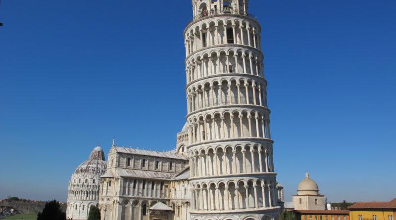 bellissima immagine della torre pendente