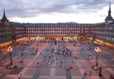 Viaggi da fare almeno una volta nella vita: Plaza Mayor a Madrid