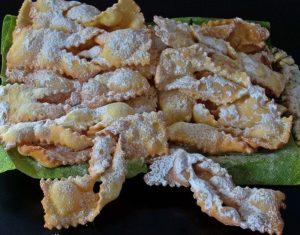 Chiacchiere, tipico dolce di carnevale