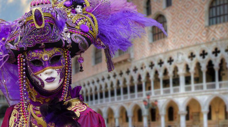 Maschera a Piazza a San Marco