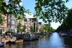 Haarlem vista dall'acqua
