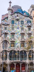 Facciata della casa Batlò conosciuta come casa Gaudì