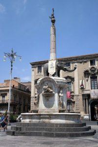 Fontana con elefante simbolo di Catania