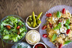 Cous Cous con verdure e insalata
