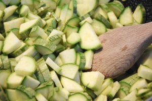 Zucchine tagliate a cubetti