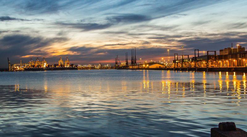 La città di Southampton vista dal mare