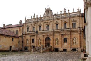 Centro storico di Padula a Salerno