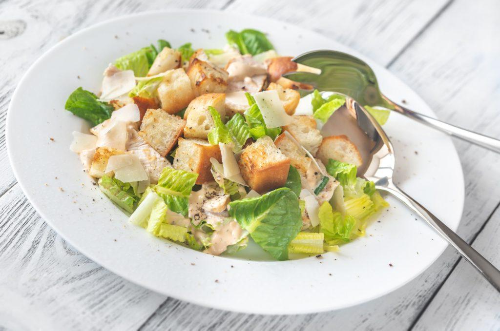 Ricette estive e veloci per l'insalata di pollo